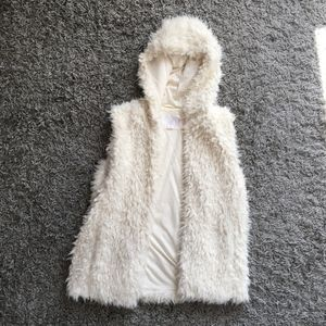 Xhilaration Target White Faux Fur Fleece Vest
